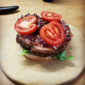 Leberkäse Burger selbst machen - Burger mit Leberkäse Rezept