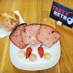 Tasty Retro Leberkäse mit Senf